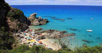 Zambrone spiaggia Calabria Contatto