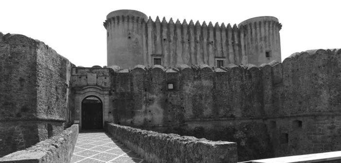 Santa Severina Castello Calabria Contatto