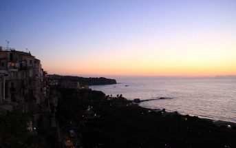 Tropea Panoramica al Tramonto Calabria Contatto