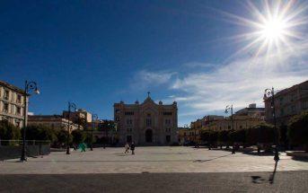 Reggio Calabria Piazza Duomo Contatto