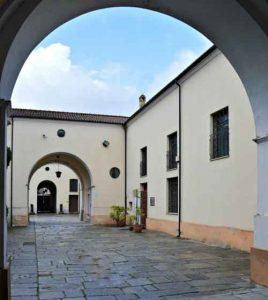 Museo Statale di Mileto Esterno Calabria Contatto