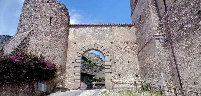 Porta Stefanina Stilo Calabria Contatto