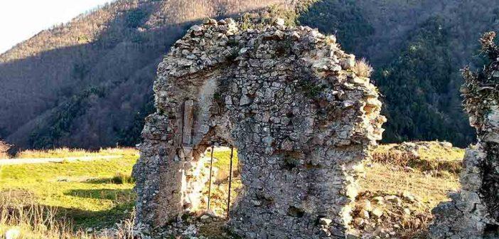 Mesoraca Ruderi Frigillo Calabria Contatto