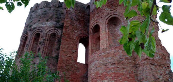 Cattedrale Parco Scolacium Roccelletta Borgia Calabria Contatto
