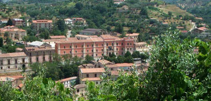 Cosenza Palazzo Arnone Calabria Contatto
