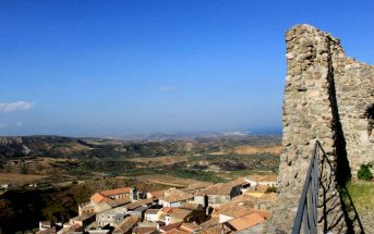Panorama Castello Squillace Paese Calabria Contatto