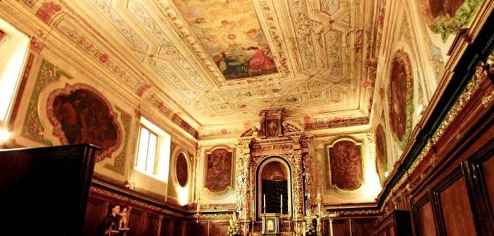 Chiesa Taverna Interno Calabria Contatto